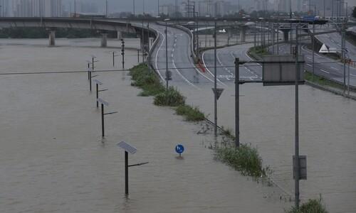 한강 9년만의 홍수주의보, 도로 곳곳 통제…꽉 막힌 서울