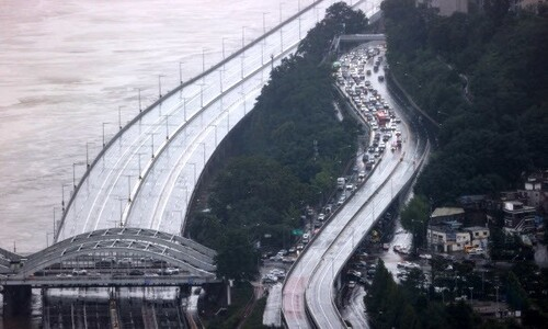 서울 주요 도로 통제…10일 출퇴근 대중교통 증편·연장 운행