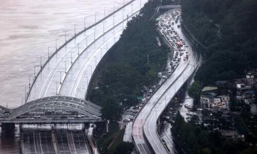 서울 주요 도로 통제…월요일 출퇴근 대중교통 증편·연장 운행