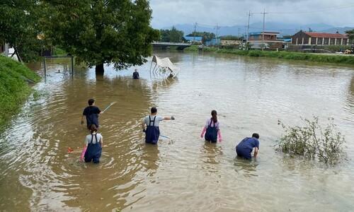 휴가 반납…복구 지원 나선 공무원들