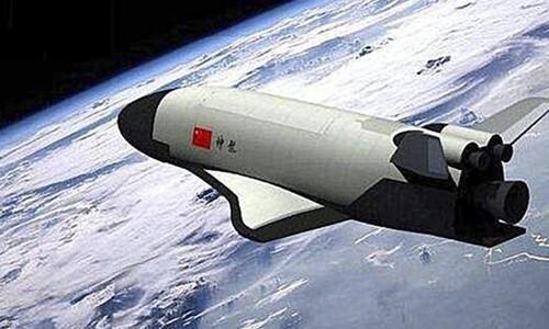 중국 우주왕복선, 이틀간 궤도비행 후 귀환