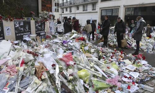 '파리 테러' 샤를리 에브도 전 사무실 근처에서 흉기 공격