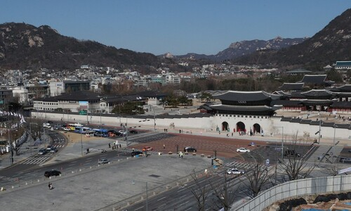 [거리의 칼럼] 고향 / 김훈