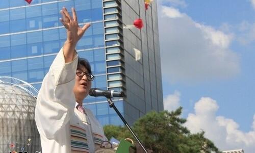 """[뉴스AS]동성애 지지 """"이단"""", 전광훈엔 '침묵'…교회의 이중잣대"""