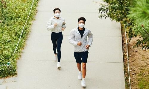 """국민 42% """"코로나19로 체중 증가""""…해결책은 '걷기'"""