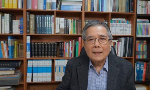 """""""일본 군국주의 세례받은 '일본 사람 박정희' 밝혀내고 있어요"""""""