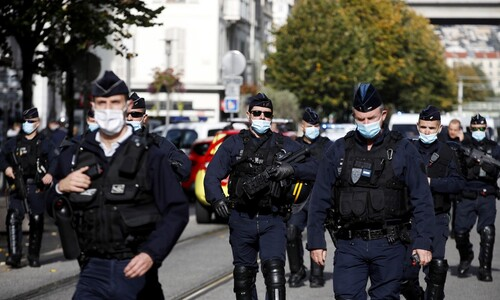 프랑스 휴양도시 니스서 흉기 테러로 3명 사망