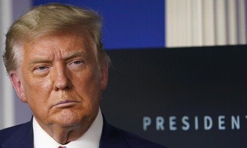 '금융비리 및 성범죄 수사 직면' 트럼프, '셀프 사면' 가능한가?