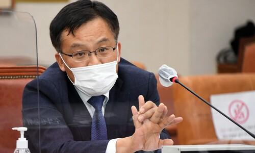 검찰총장 대행까지 징계 철회 요청…'사면초가' 추미애