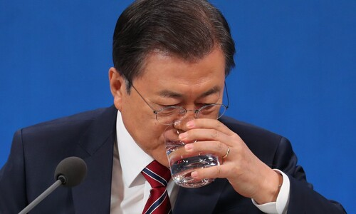 """문 대통령 """"박원순의 행동과 극단적 선택 안타까워"""""""