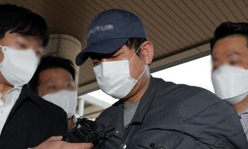 '김봉현 술접대 의혹' 검사들 수사 직전 휴대폰부터 버렸다