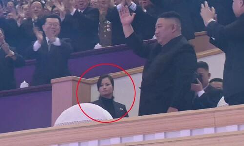 김정은 바로 뒤에서 수행중인 현송월