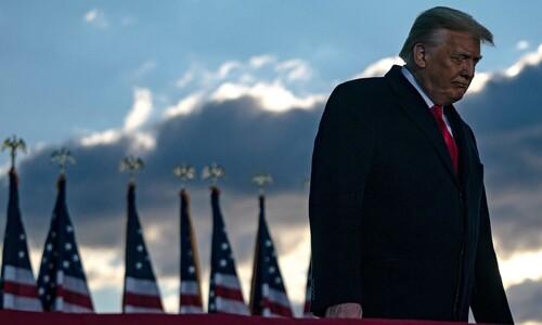 """""""어떤 식으로든 돌아온다""""…떠나는 트럼프의 마지막 말"""