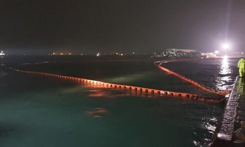 울산 에쓰오일 송유관서 원유 누출사고…소방·해경 긴급 방제
