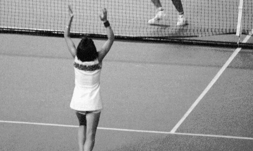 스포츠사는 젠더투쟁 교과서…하나둘 벽을 허물다