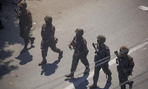 '3중 포위' 몰린 미얀마 군부, 미-중 사이에서 줄다리기?