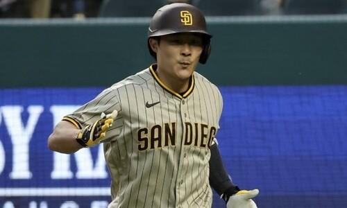 김하성, MLB 마수걸이 홈런 '쾅'