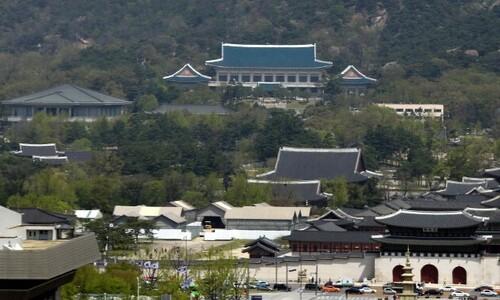 문 대통령, '이해충돌' 청 비서관·'폭언' 마사회장 관련 감찰 지시