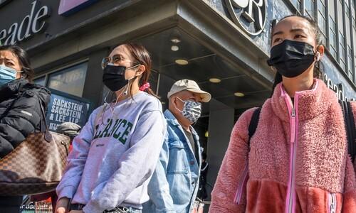 목숨 걸고, 또 걸고…코로나와 혐오의 거리에 선 '아시아 여성'