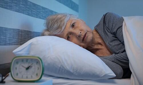 """""""50·60대 7시간보다 적게 자면, 치매 확률 30% 높다"""""""