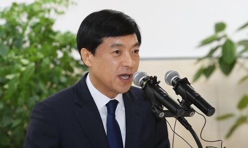 """""""표적 수사"""" 이성윤의 반격…수심위·자문단 소집 요청"""