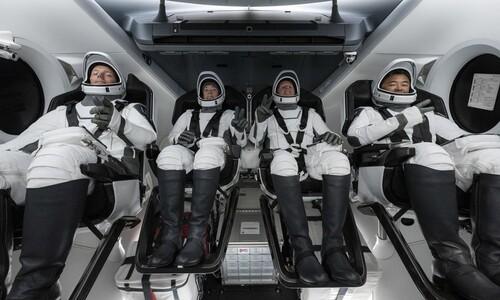 '재사용' 로켓·우주선으로 첫 우주비행