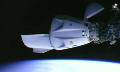 스페이스엑스 유인 우주선, 우주정거장 3번째 도킹 성공