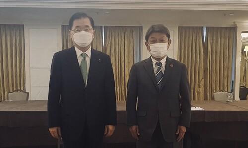 """외교부 """"한-일 회담 현지서 임박해 확정""""… 치열한 신경전"""