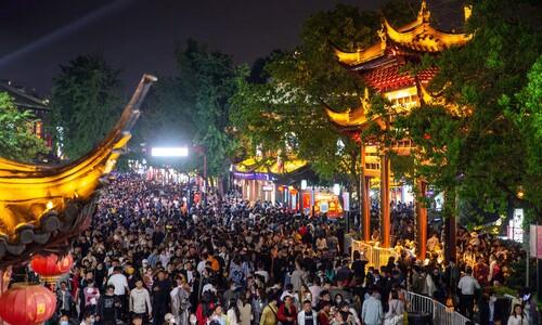 중국 황금연휴 여행객, 코로나 이전으로 회복?