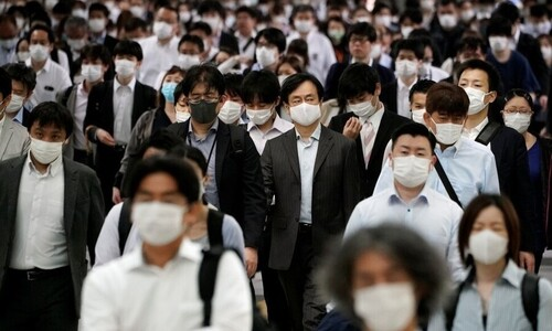 """일본 지자체 """"긴급사태 전국 확대 고려해 달라"""" 호소"""