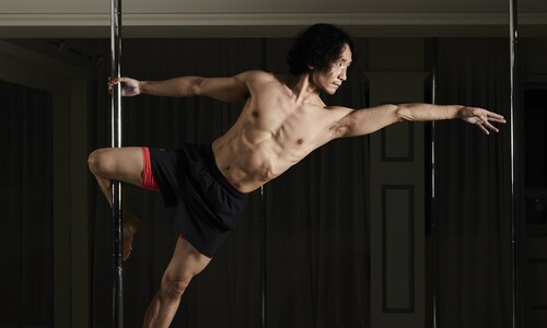 [ESC] 폴댄스, 남자도 하냐니? 세밀한 근육의 힘 '나빌레라'