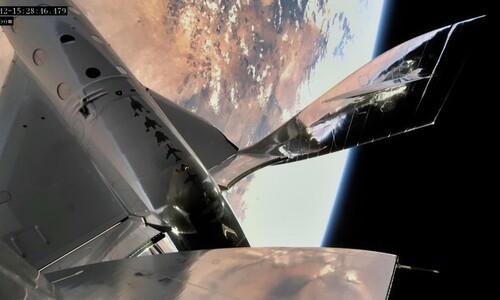 내년 '우주관광' 할지도…버진갤럭틱, 세번째 유인 준궤도비행 성공