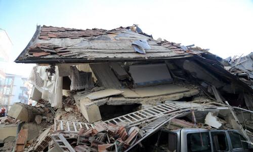 """터키 동부서 규모 6.8 강진…""""최소 20명 사망·900여명 부상"""""""