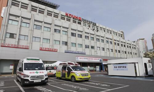 [속보] '환자 진료하다 감염' 60대 의사 코로나로 숨져