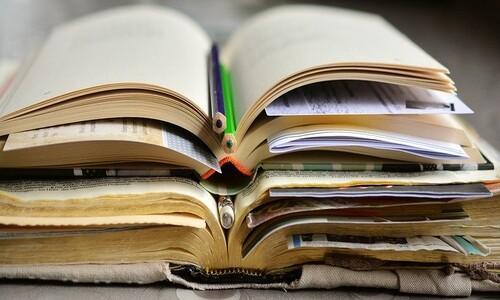 성경을 입으로 읽지만 삶으로 읽지 않는다면
