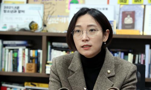 '피해자다움'과 '가해자다움'이란…장혜영이 던진 묵직한 질문