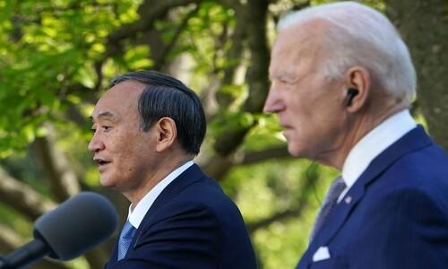 """백악관서 만난 바이든-스가 """"중국·북한 대응에 협력"""""""