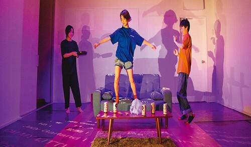 관객 상상력을 더해 완성되는 일본 희곡 '낭독 공연