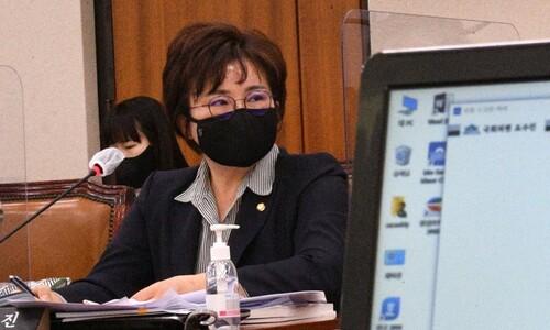 """'왕자 낳은 후궁'에 고민정 빗댄 조수진…민주당 """"사퇴하라"""""""