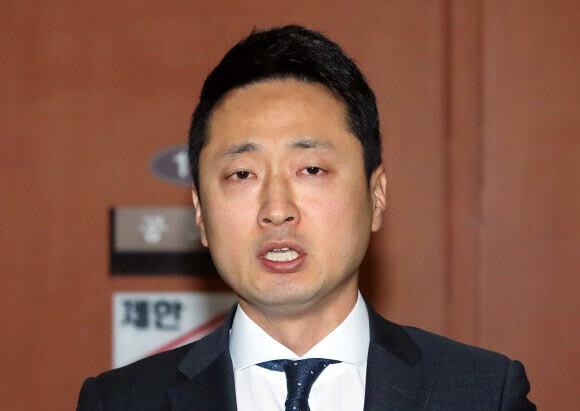 '전두환 추적' 임한솔, 총선 위해 정의당 탈당…'구태 정치' 논란