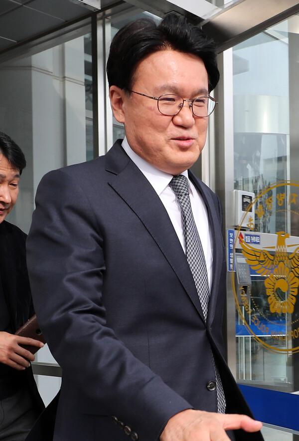 """황운하 '조건부 의원면직' 논란…민갑룡 """"유죄 나오면 징계절차"""""""