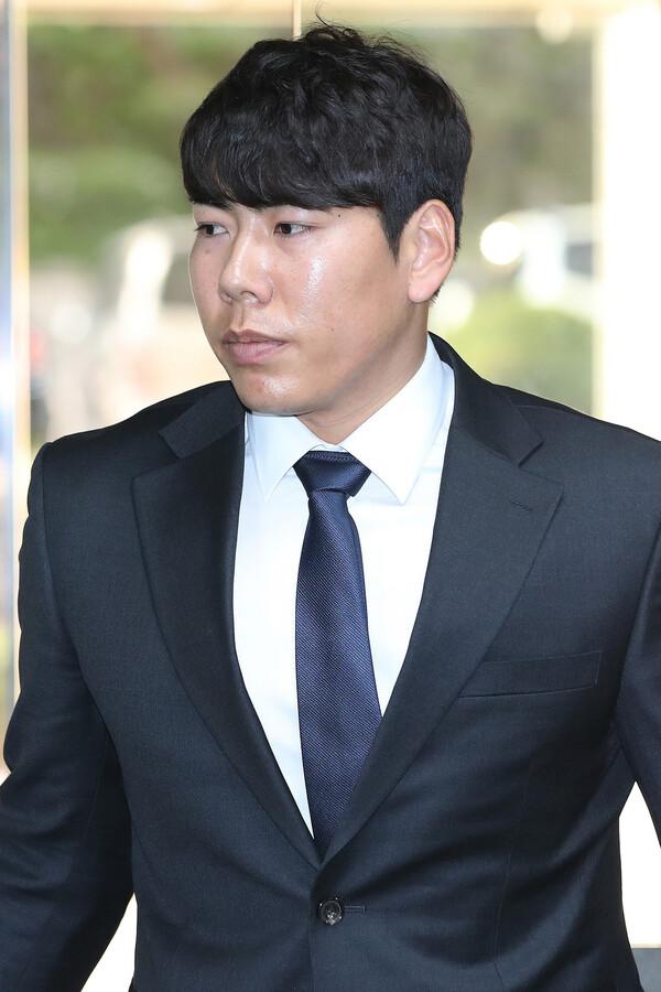 """강정호, 다음 주 귀국해 공개사과…키움 """"그 이후 결정"""""""