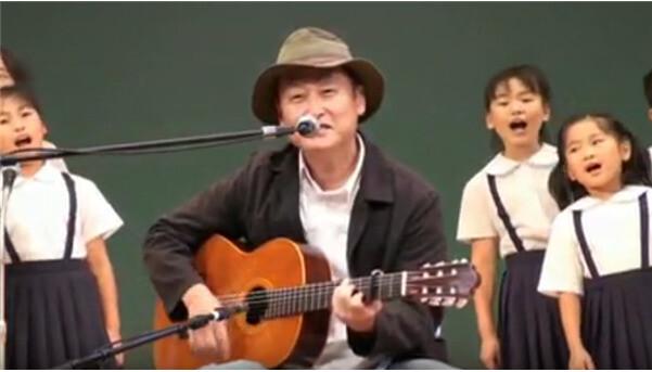 글쓴이인 <홀로 아리랑>의 작사가 한돌