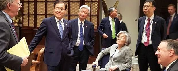 이런 '외교 존재감' 처음…강경화, 3년7개월 만에 퇴장