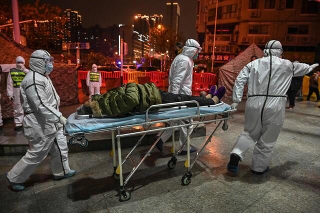 중 '신종 코로나' 확진 2천명 넘어서…공산당 지도부 '전염병과 전쟁' 선포