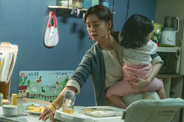 영화 <82년생 김지영>의 한 장면. 봄바람영화사 제공
