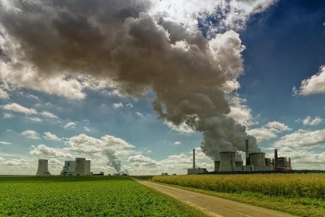 산업화 이후 대기 중 이산화탄소 농도는 40% 이상 높아졌다. 세계 각국에서 지구온난화를 막으려는 노력이 이어지는 가운데 대체에너지와 함께 수소에너지가 탈탄소 사회로 가는 핵심 에너지원으로 떠오르고 있다.  언스플래시