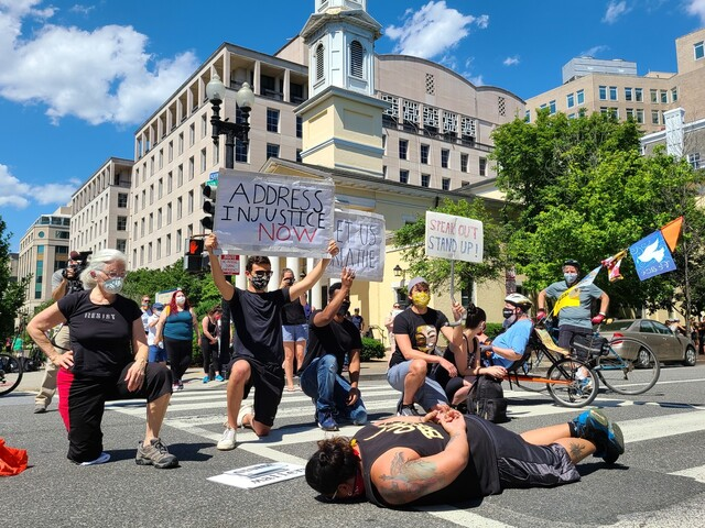 """'흑인 사망' 항의시위 르포…백악관 앞 분노 """"나도 숨 쉴 수 없다"""""""