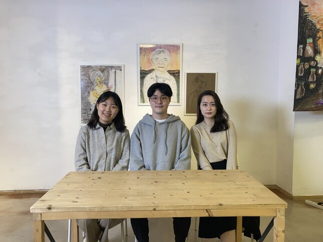 사회적 기업 '코끼리 공장' 홍보 영상을 만든 '마중물' 팀.