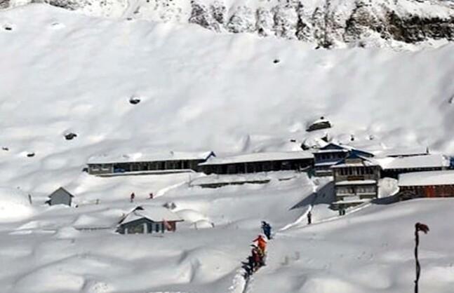 """""""6m 앞에서 눈사태가""""…네팔 사고 교사들이 전한 사고 상황"""